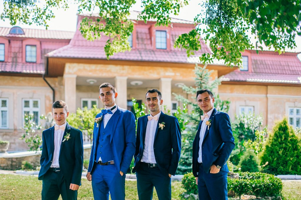 coordinate with groomsmen - rules for grooms