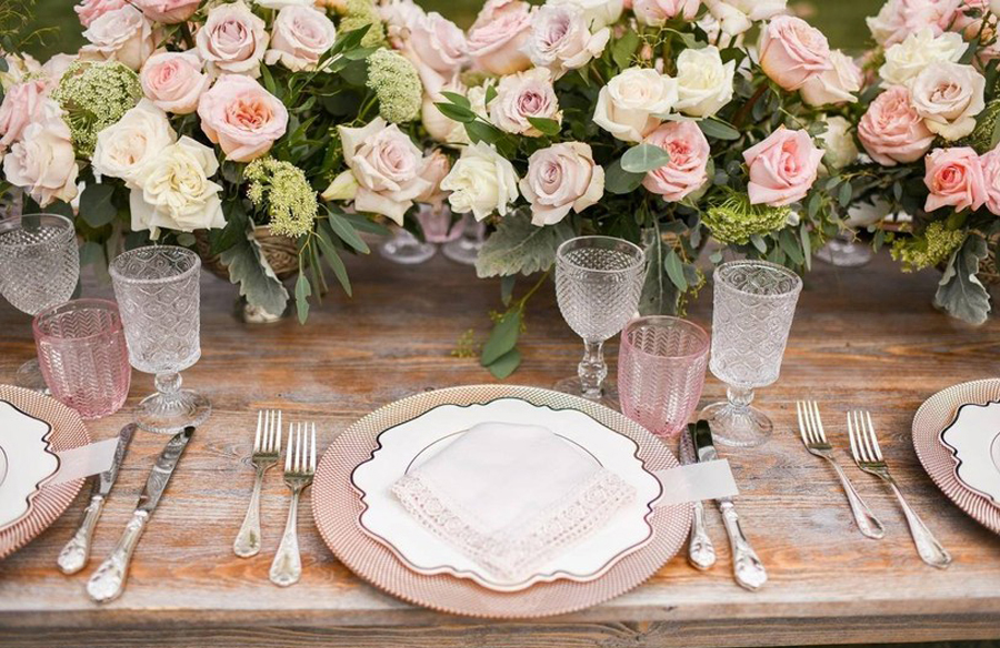 Granny Chic Wedding - Tablescape With Roses